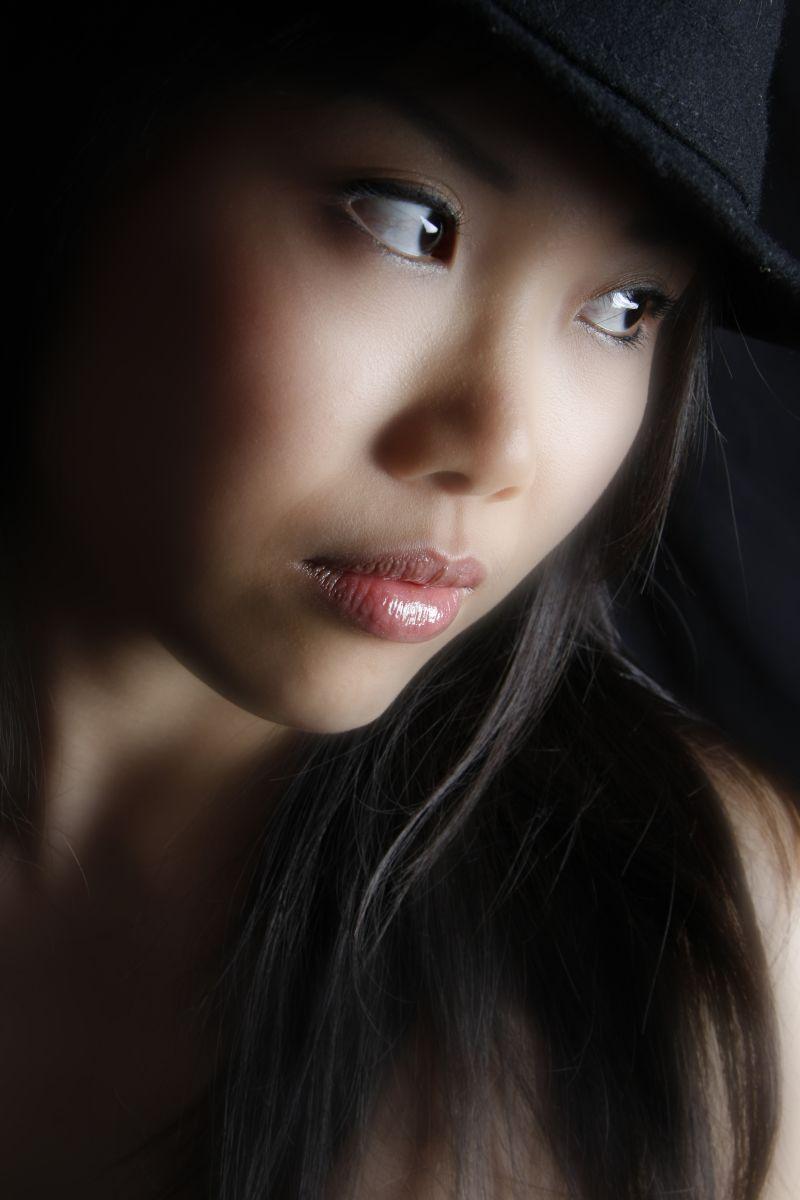 http://photos.modelmayhem.com/photos/111224/21/4ef6b6d56a739.jpg