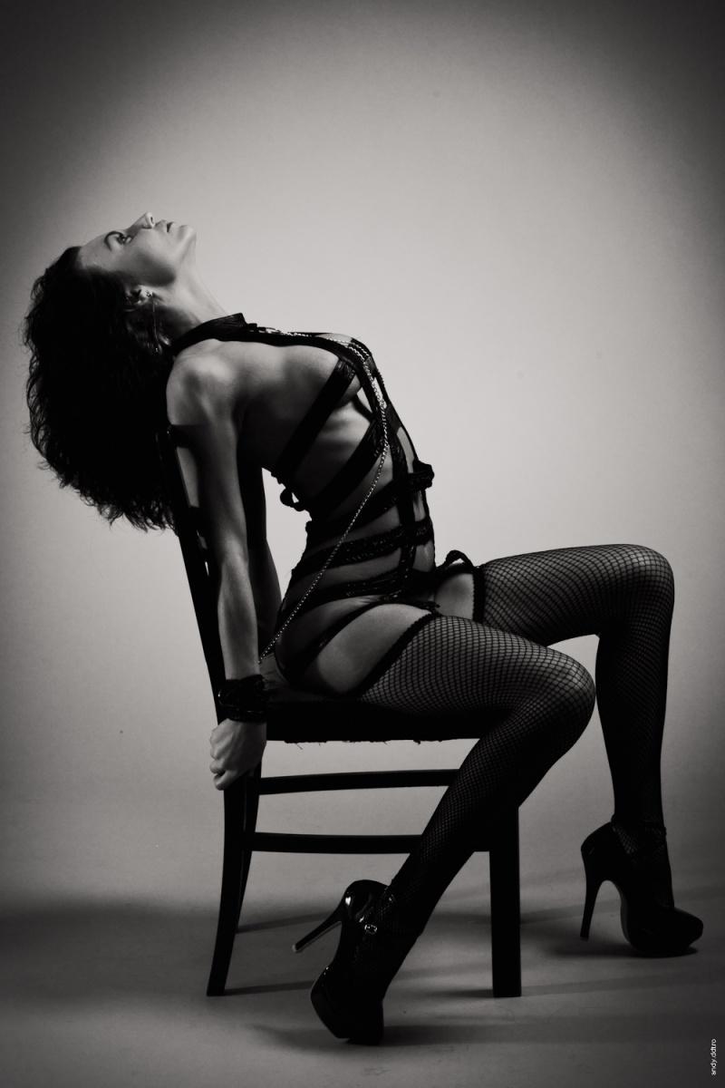 Female model photo shoot of Irina Bacanu in Photo ArtStudio