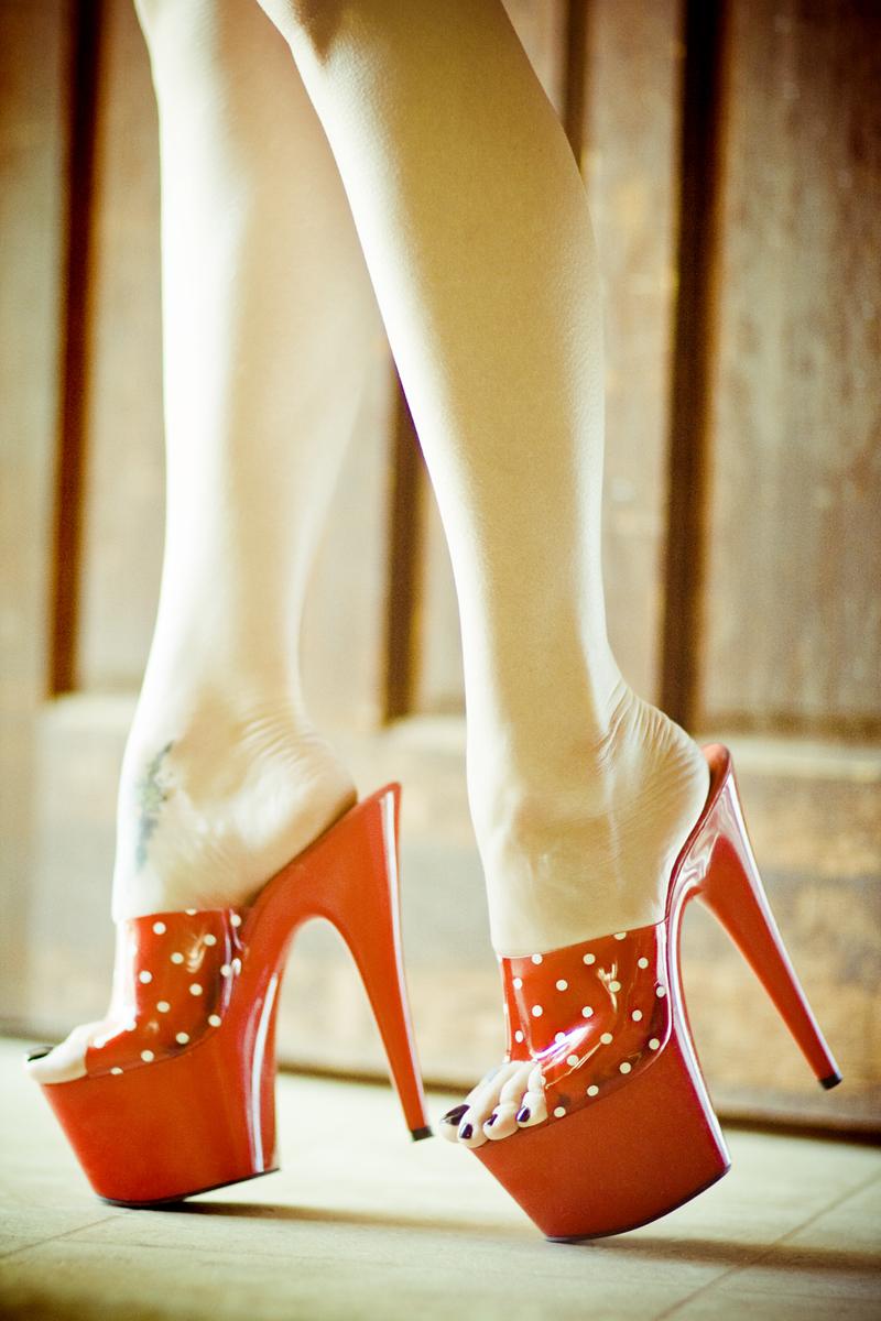 Los Angeles, CA Dec 27, 2011 Jason Simon Scaredylion Fotography 2011 Athenas Shoes