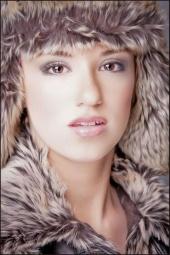 http://photos.modelmayhem.com/photos/111227/16/4efa67b15cf6d_m.jpg
