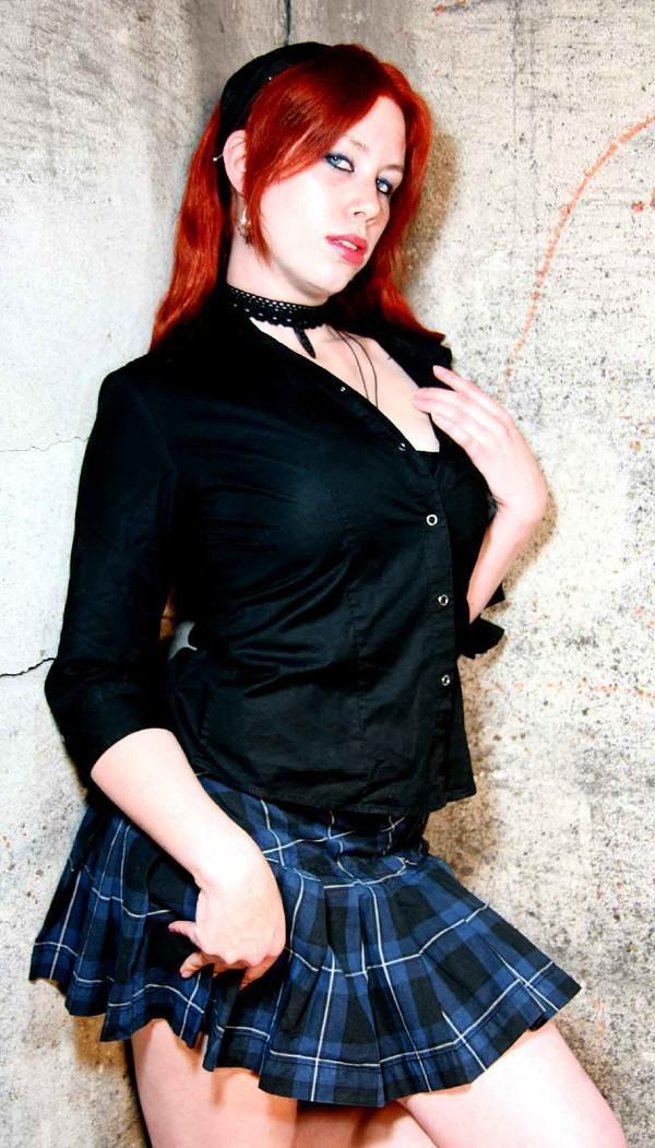 Female model photo shoot of Nickita Von Dee