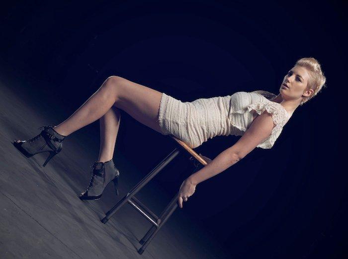 http://photos.modelmayhem.com/photos/111228/07/4efb3bc06a16f.jpg