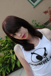http://photos.modelmayhem.com/photos/111230/11/4efe0b1a77078_m.jpg
