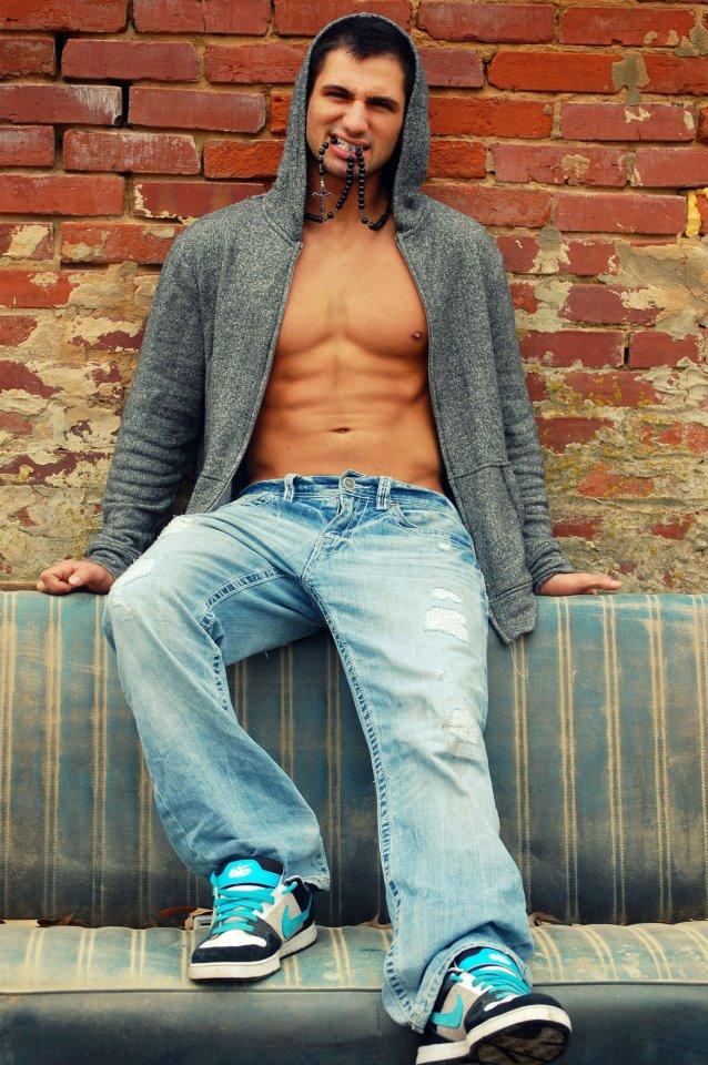 Male model photo shoot of Lucas Payne