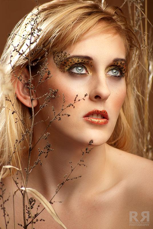 https://photos.modelmayhem.com/photos/111230/22/4efeab1d0ee96.jpg