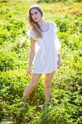 https://photos.modelmayhem.com/photos/111231/23/4f00070e9e36a_m.jpg