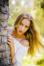 http://photos.modelmayhem.com/photos/111231/23/4f000710e19e8_m.jpg