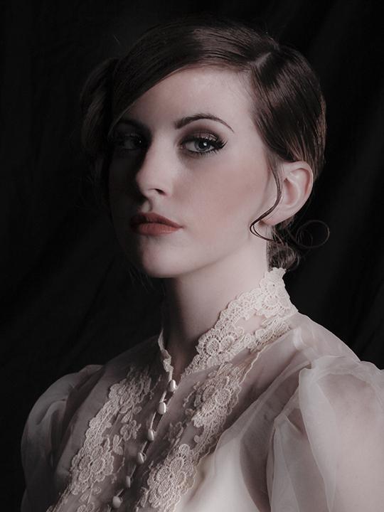https://photos.modelmayhem.com/photos/120101/21/4f01432f891c4.jpg