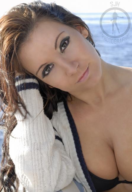 https://photos.modelmayhem.com/photos/120102/02/4f0183f12f7d0.jpg