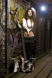 http://photos.modelmayhem.com/photos/120102/03/4f0193b69e0bc_m.jpg