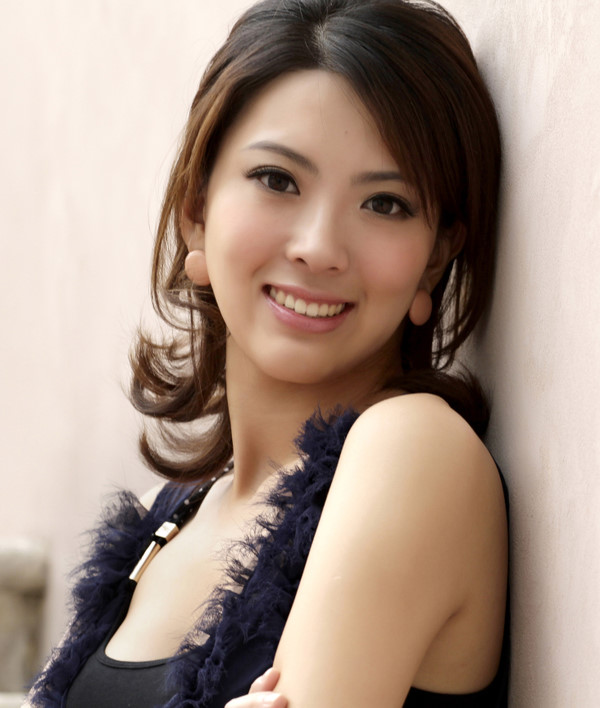 Female model photo shoot of shuanger in China