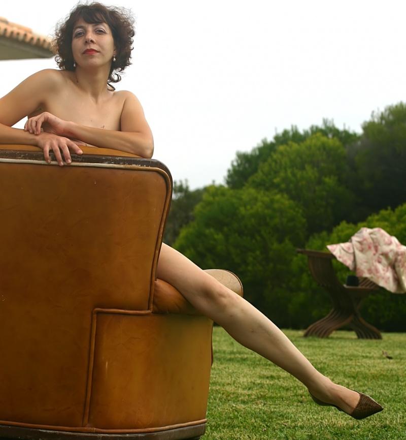Female model photo shoot of Valeria DoceFruto by Alfredo Gil in Colares