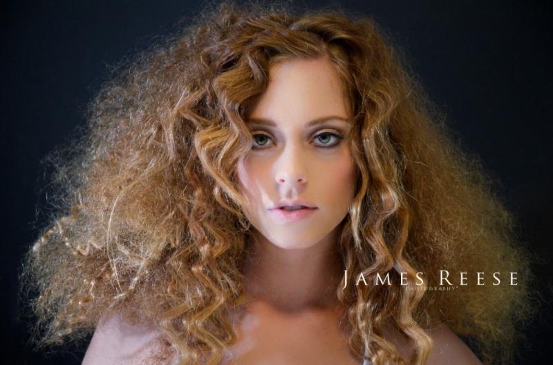 http://photos.modelmayhem.com/photos/120108/20/4f0a6efeea5b5.jpg