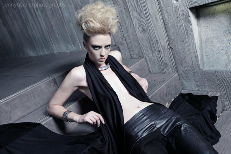 Female model photo shoot of Claire Warmenhoven
