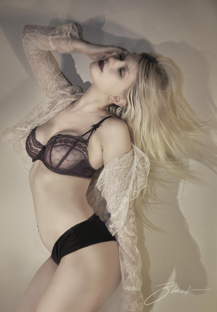 az Jan 12, 2012 jm2012 blonde ambition