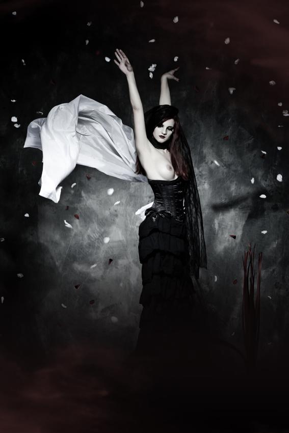 Female model photo shoot of Vicky Nessuno in Milano, IIF Istituto Italiano Fotografia