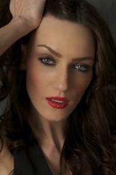 http://photos.modelmayhem.com/photos/120115/17/4f13832017fae_m.jpg