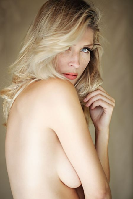 Jan 15, 2012 Maxximages photographer, own makeup and hair Bare