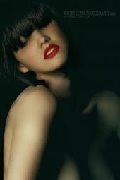 http://photos.modelmayhem.com/photos/120116/03/4f1410d658007_m.jpg