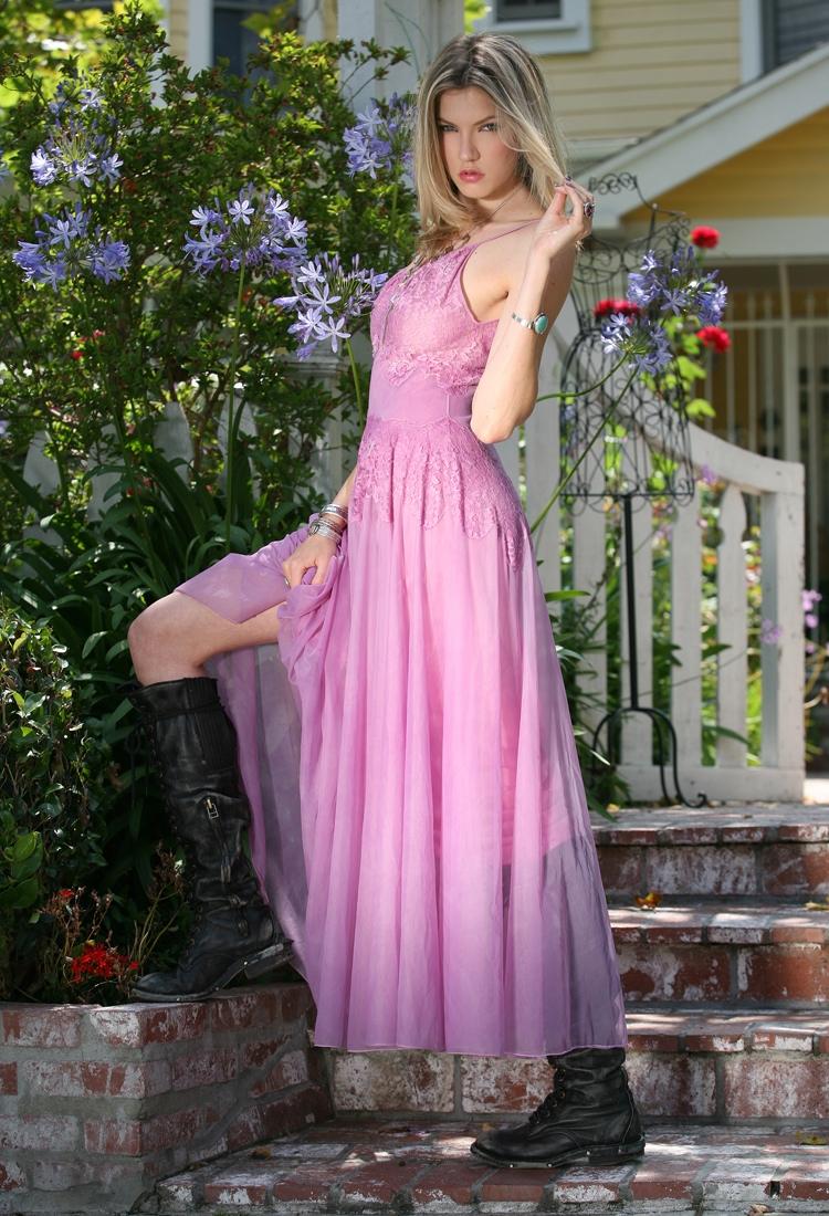 www.vintazia.com Jan 16, 2012 Susan Londoner, make-up/hair: Talia Londoner Vintazia Look Book 11