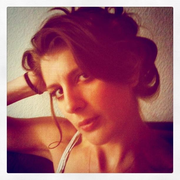 Female model photo shoot of Lindsay Berman