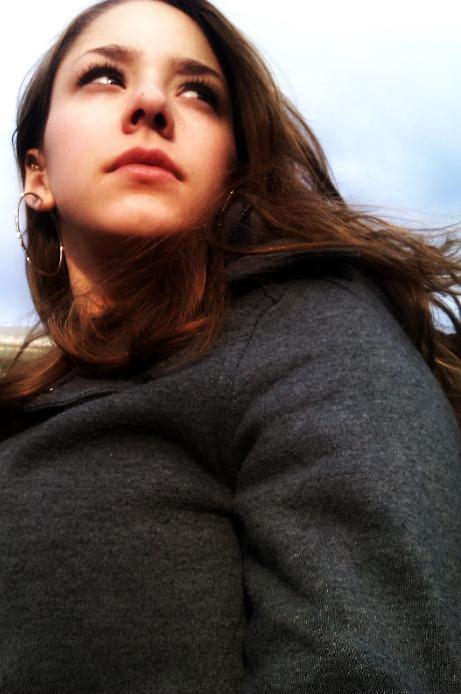 Female model photo shoot of Nikki Mariee