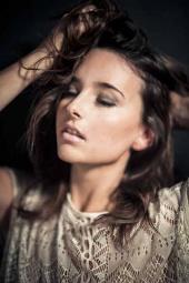 https://photos.modelmayhem.com/photos/120122/10/4f1c52f0a8f6e_m.jpg