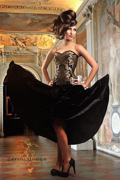 http://photos.modelmayhem.com/photos/120124/07/4f1ec8829b7ee.jpg