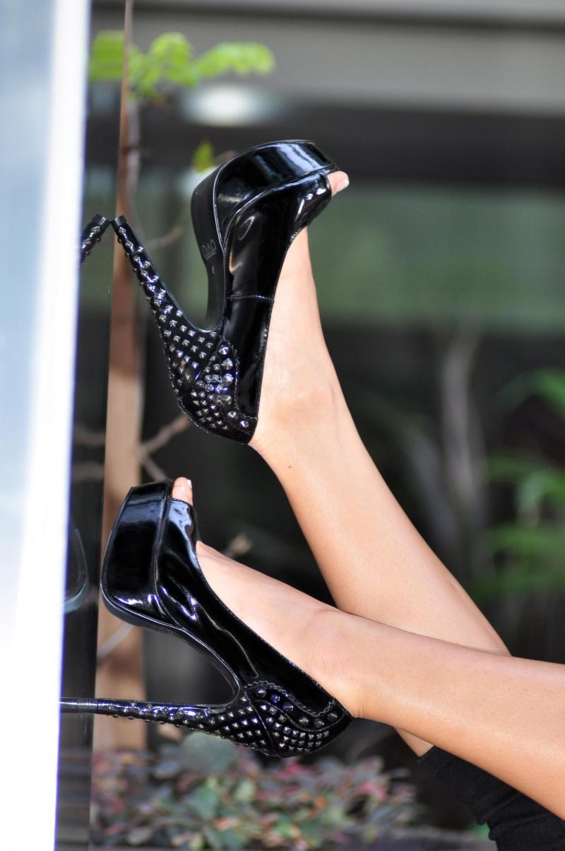 Jan 24, 2012 DAO Blk patent Spikes & Studs