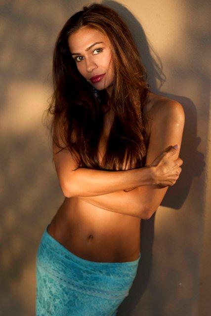 Female model photo shoot of Eva Myren