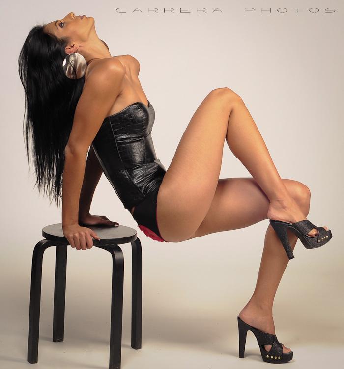 http://photos.modelmayhem.com/photos/120125/19/4f20cd8094234.jpg