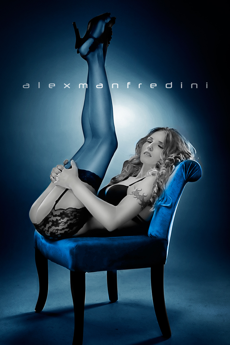 http://www.miamiglamourmodels.com/boudoir-chair-photography.htm Jan 27, 2012 Alex Manfredini Blue Boudoir Chair