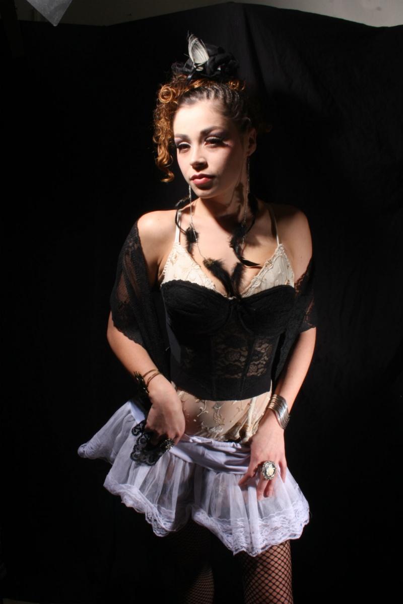 Female model photo shoot of Cecilia meza