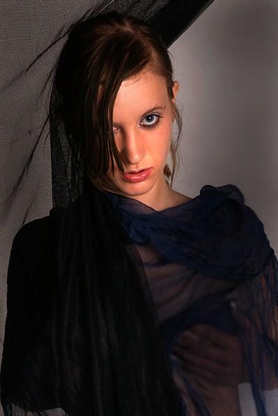 Female model photo shoot of Karlota009