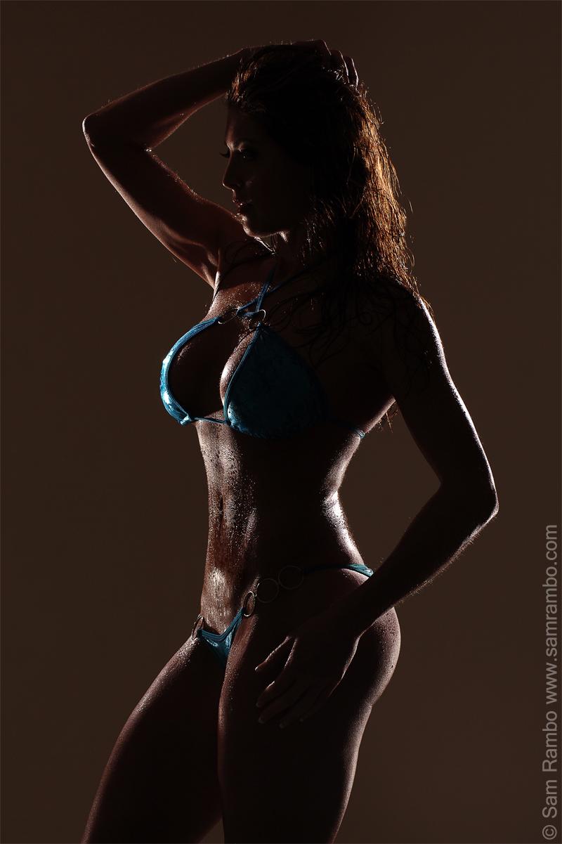 http://photos.modelmayhem.com/photos/120131/13/4f285b4ee4969.jpg