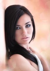 http://photos.modelmayhem.com/photos/120203/09/4f2c1580688b2_m.jpg