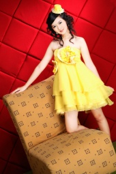 http://photos.modelmayhem.com/photos/120203/09/4f2c1dbd23c74_m.jpg
