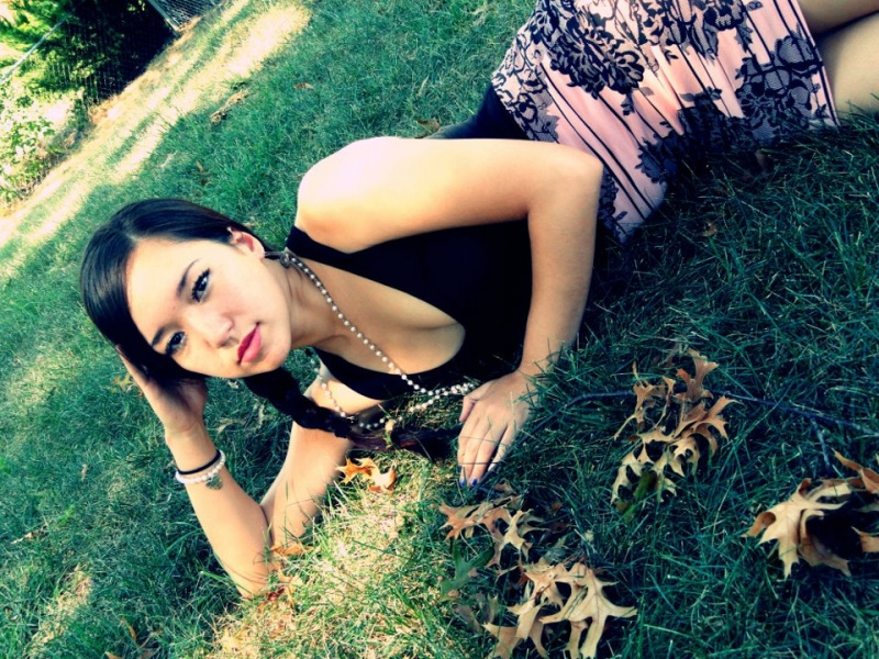 Female model photo shoot of Tracie Patt
