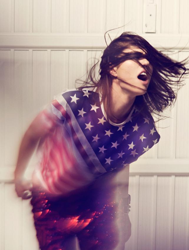 Female model photo shoot of Martina Smile M