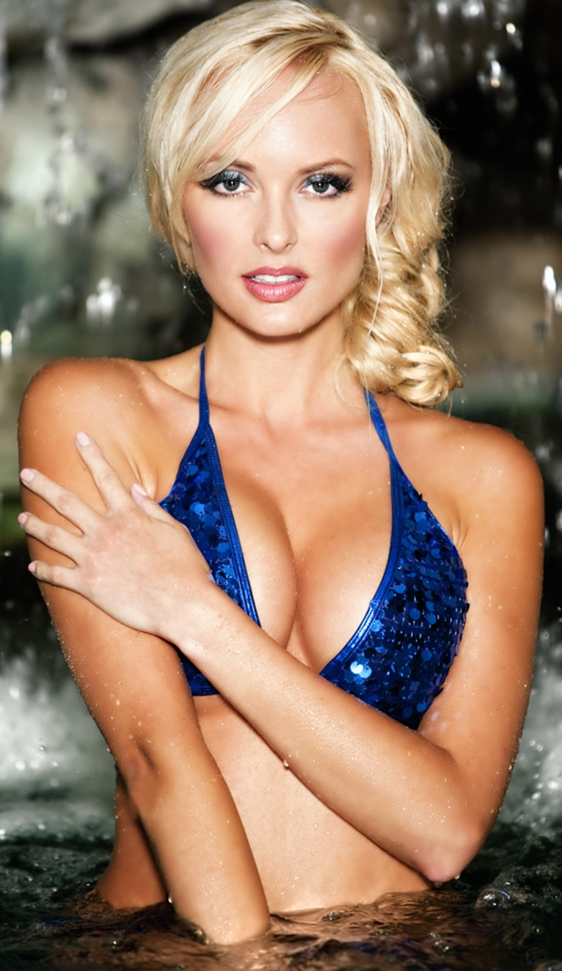 Playboy Mansion Grotto Feb 11, 2012 2011 Studio10 Playmate / Actress Shera Bechard