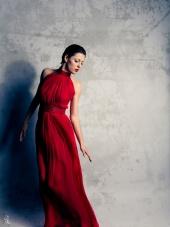 http://photos.modelmayhem.com/photos/120212/06/4f37d2790e562_m.jpg