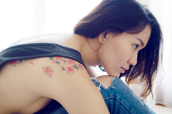 Female model photo shoot of Grace Gunawan