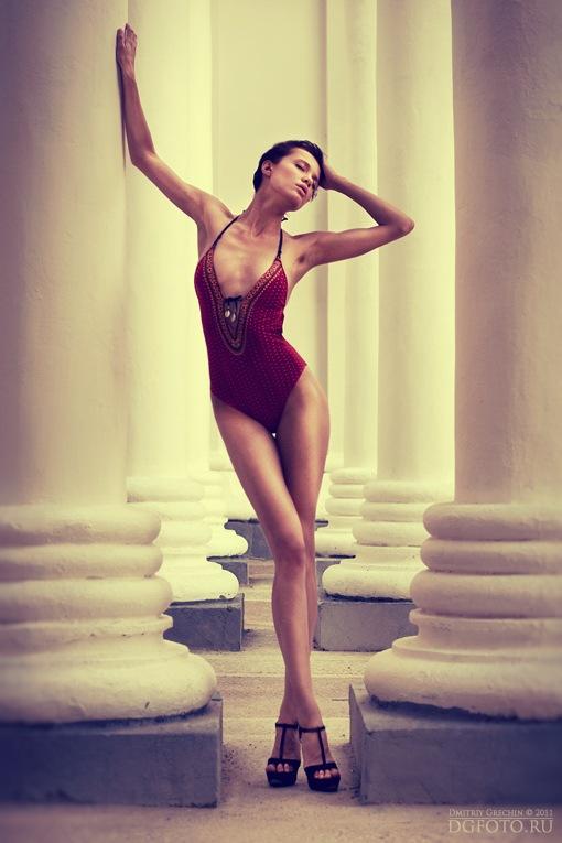 Female model photo shoot of Chucha Babuchina in Moscow, plein air
