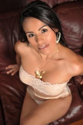Female model photo shoot of Jessica Buitrago