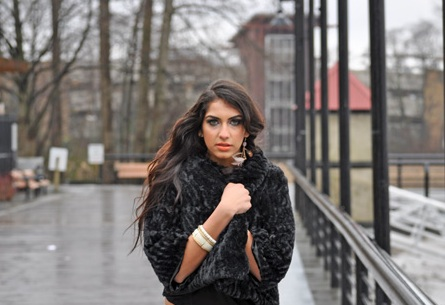 Female model photo shoot of Me Na in Richmond
