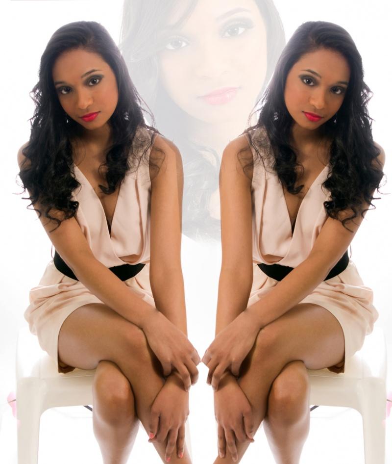 Female model photo shoot of Derica T