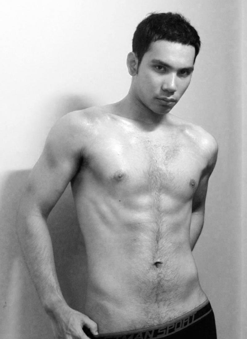 Male model photo shoot of Iaz Naibaho
