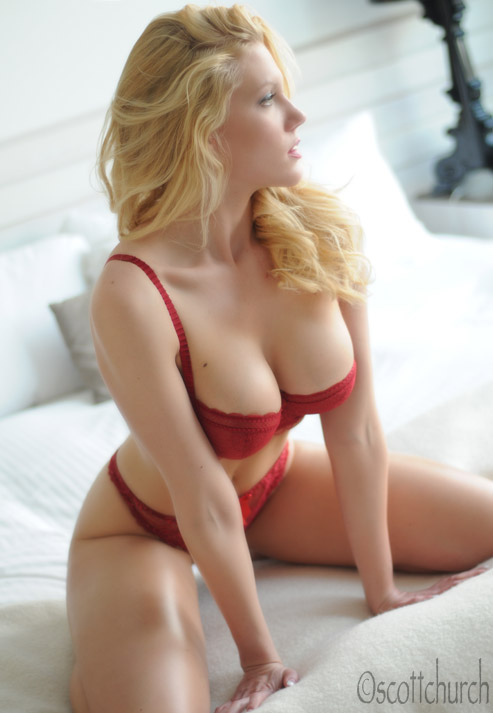 http://photos.modelmayhem.com/photos/120223/10/4f468753124a6.jpg