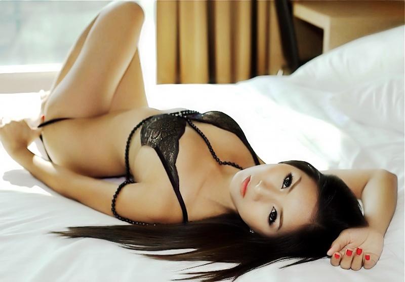 Female model photo shoot of somrutai sreenak