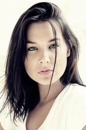 Danielle stark model elhouz